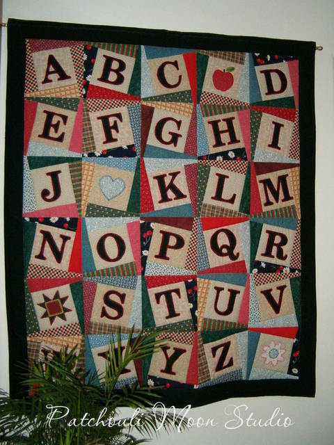 Alphabet Baby Quilt at Makerist
