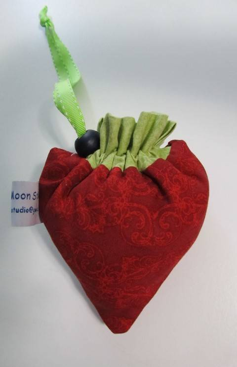 Strawberry Folding Shopping Bag at Makerist