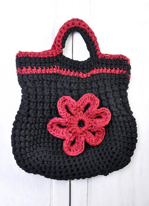 Tasche mit Blume aus Textilgarn häklen bei Makerist