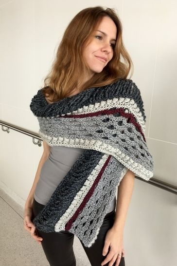Crochet Shawl / Scarf Pattern for Women (A Little-Something-Different Scarf) at Makerist - Image 1