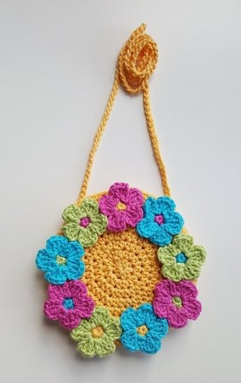 Crochet Bag, Ring of Flowers Bag at Makerist - Image 1