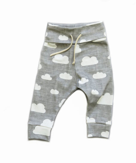 Baby pants pattern, sweat pants pattern, baby jogger pants, easy baby pants pattern at Makerist - Image 1