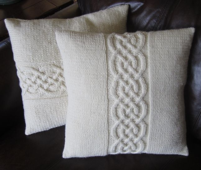 Celtic Knot Pillow Cover Knitting Pattern at Makerist - Image 1