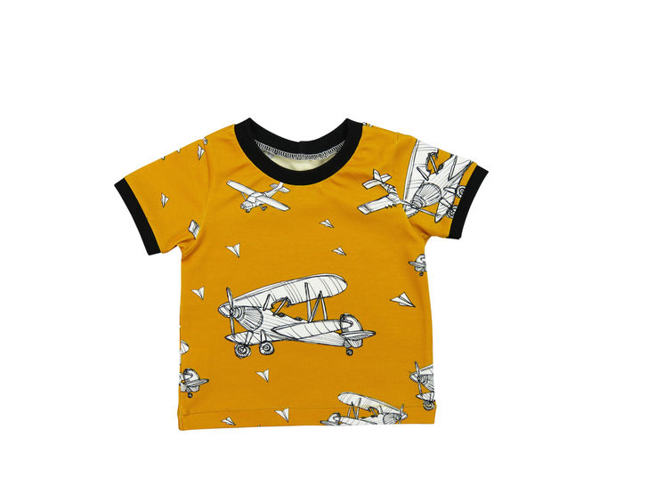 Baby t-shirt sewing pattern, basic tee sewing pattern at Makerist - Image 1