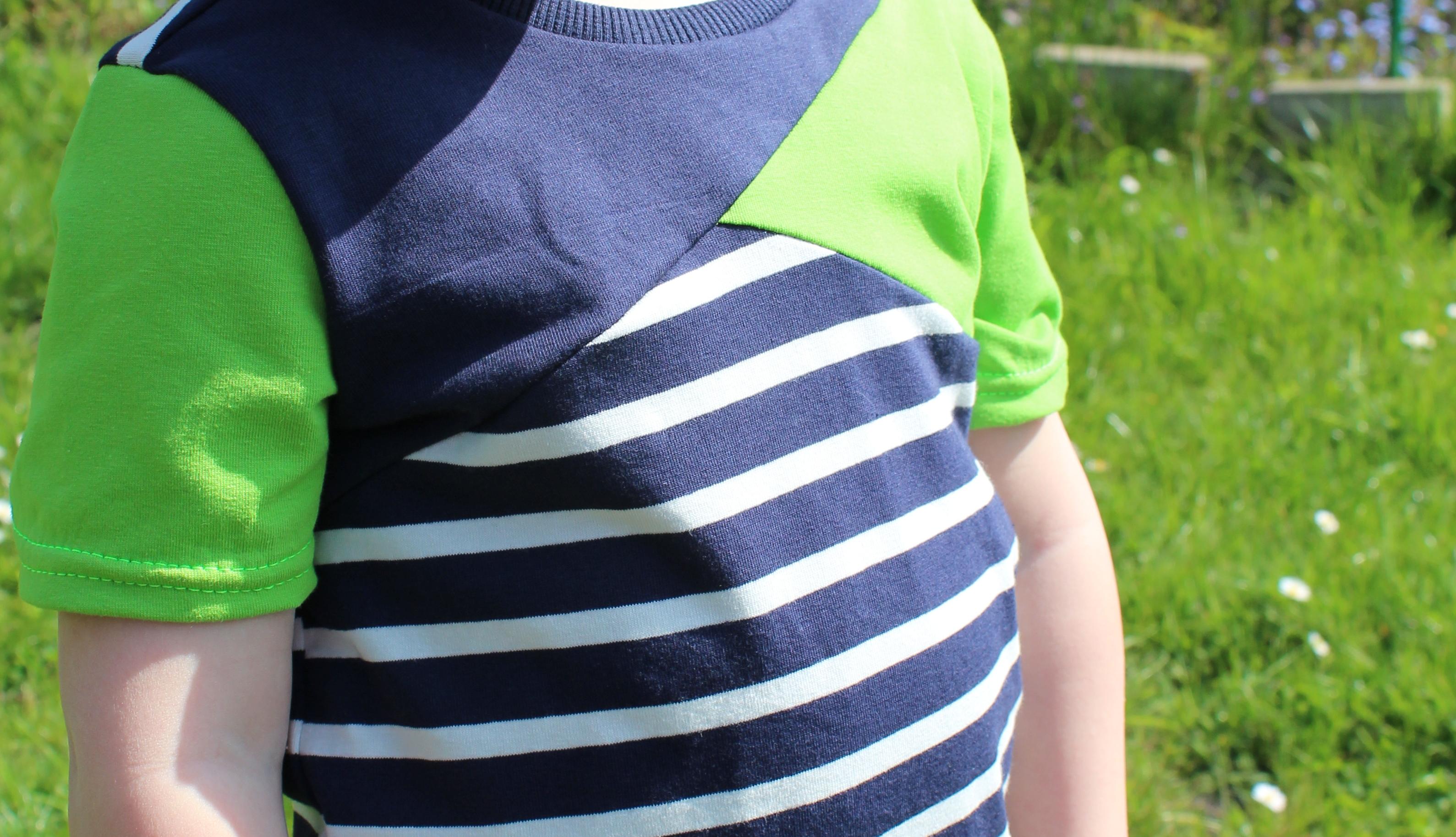 ✂ Schnittmuster Mini-Bene ✂ T-Shirt für Jungs mit asymetrischer Teilung