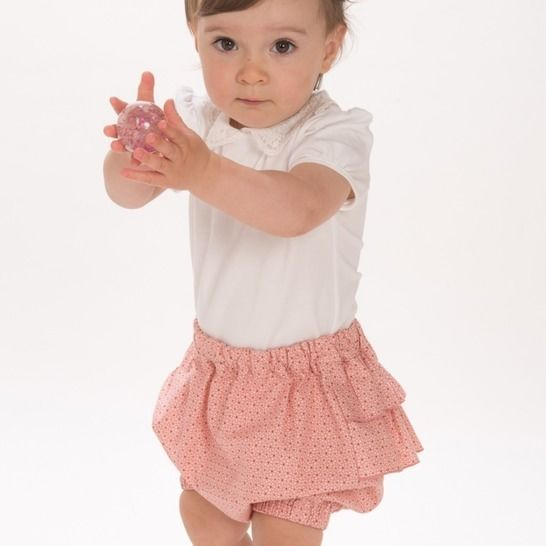 EMI Short baby bloomers with ruffles and elastic at Makerist - Image 1
