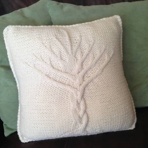 Tree of Life cushion cover - PDF knitting pattern at Makerist