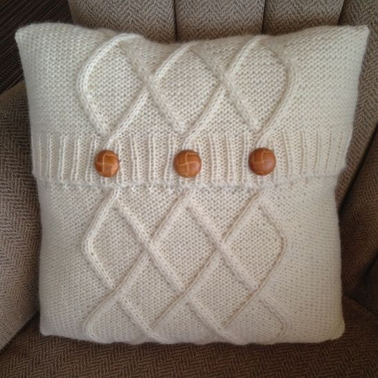"""Triple Diamond Cable aran cushion cover in two sizes 12""""x16""""/30x40cm and 16""""/40cm square - PDF KNITTING PATTERN at Makerist - Image 1"""
