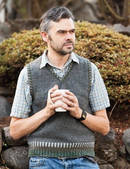 Corrugated mens vest - hand knitting pattern at Makerist - Image 1