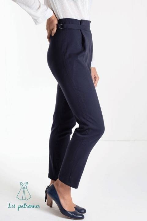 Calder Pants - Women easy trousers with front folds -beginner at Makerist