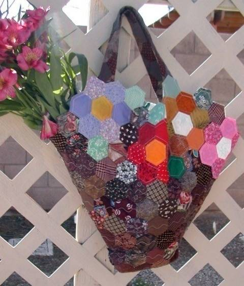 Grandmother's Garden Quilted Tote at Makerist