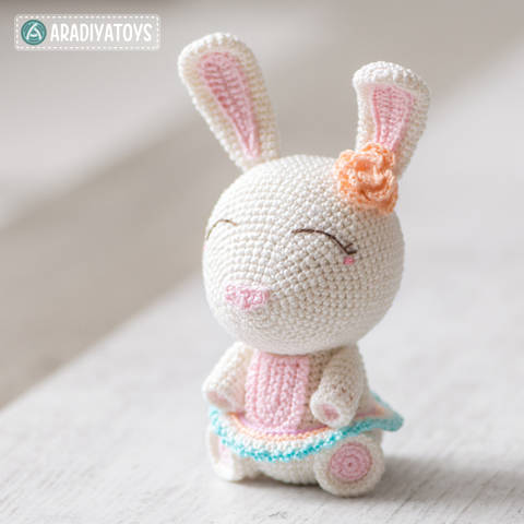 Crochet Pattern of Bunny Emma by AradiyaToys