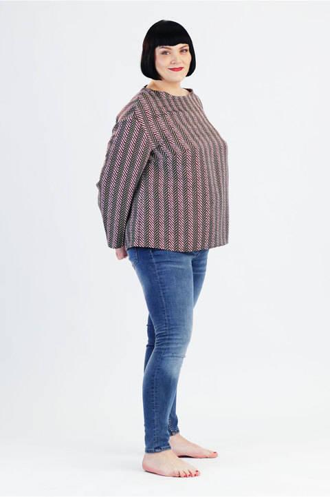 Tunique Claire pour grandes tailles - Patron de couture et instruction en Anglais et en Allemand avec des images chez Makerist
