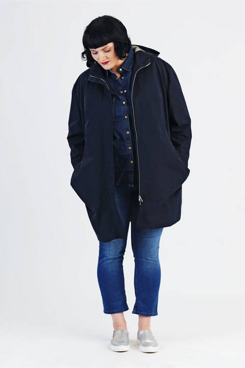 Coat Amy for plussizes - Sewing pattern and instruction with pictures at Makerist