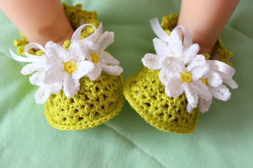 Daisy Baby Booties Crochet Pattern at Makerist - Image 1
