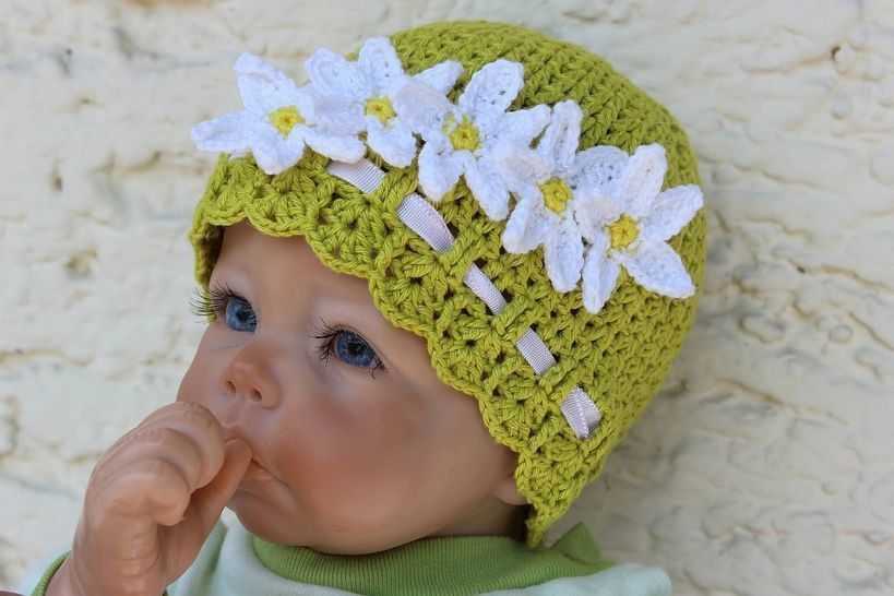 Daisy Baby Hat Crochet Pattern at Makerist - Image 1