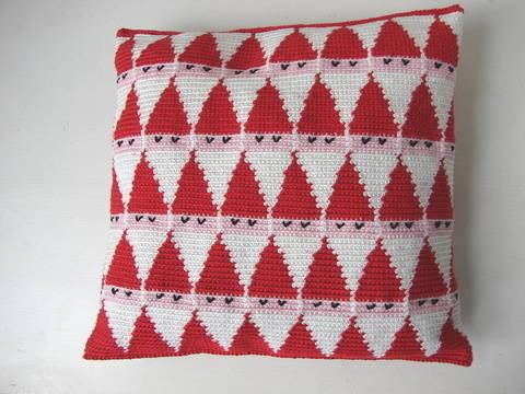 Santa pillow - crochet pattern