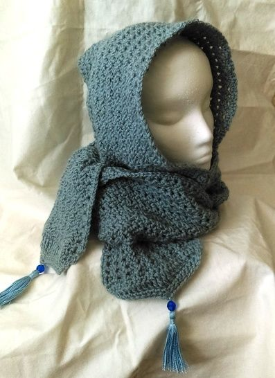 Frosty Hooded Scarf with Tassel- Crochet Pattern at Makerist - Image 1