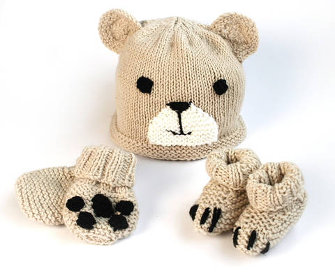 Easy baby bear hat, booties & mittens set at Makerist