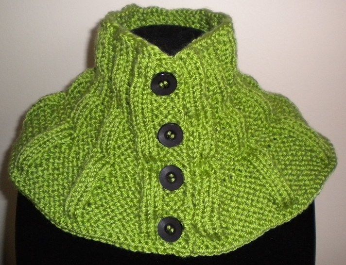 Button-Up Scarflette/Neck Warmer- Knitting Pattern at Makerist - Image 1