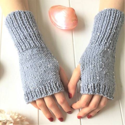 Calm Gloves - 2yrs to l adult - dk/light worsted - easy
