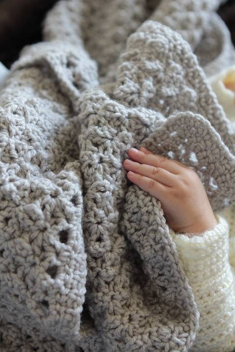 Liam Blanket - crochet  at Makerist