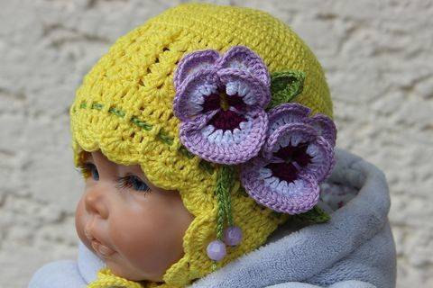 Pansy Baby Hat Crochet Pattern at Makerist