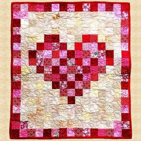 February Heart Quilted Wall Hanging Pattern at Makerist - Image 1