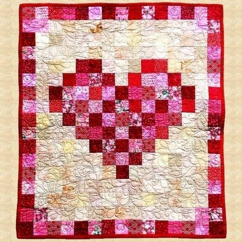 February Heart Quilted Wall Hanging Pattern at Makerist