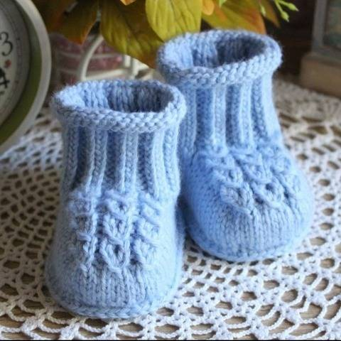 Baby Booties Knitting Pattern at Makerist