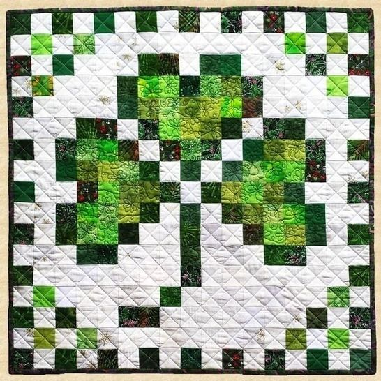 March Shamrock Quilted Wall Hanging Pattern at Makerist - Image 1