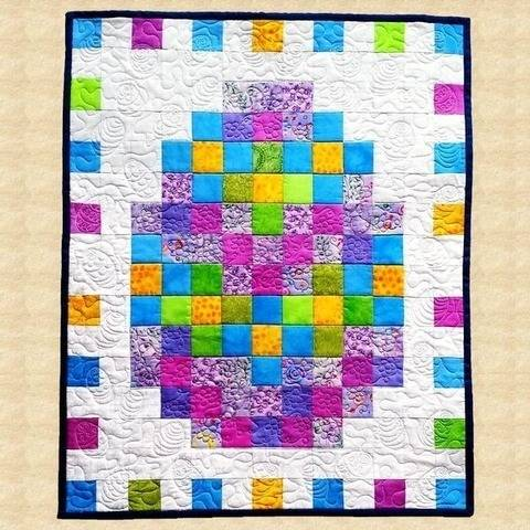 April Easter Egg Quilted Wall Hanging Pattern at Makerist