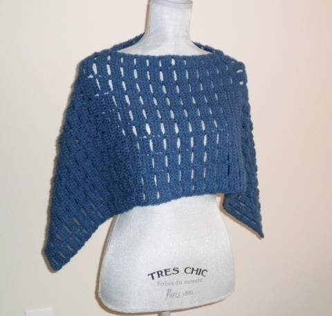 Carefree Capelet- Crochet Pattern at Makerist