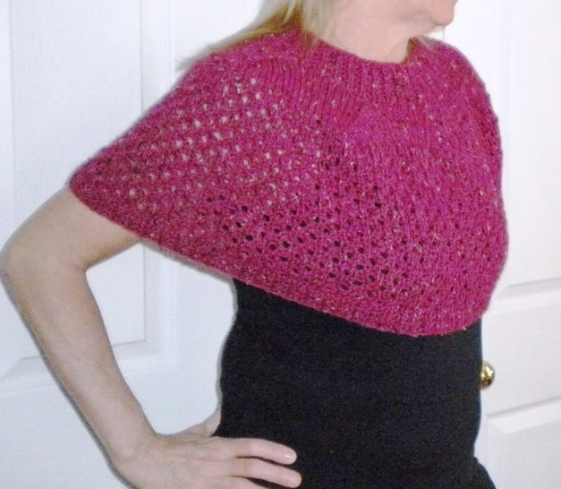 Cherries Jubilee Capelet- Knitting Pattern at Makerist - Image 1