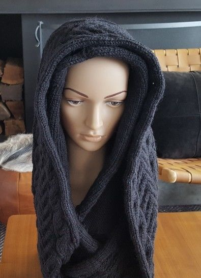Cable Cowl with Hood - Rachael at Makerist - Image 1