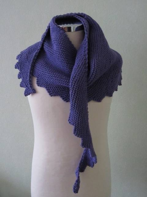 Shawl Hanlei - detailed knitting pattern at Makerist