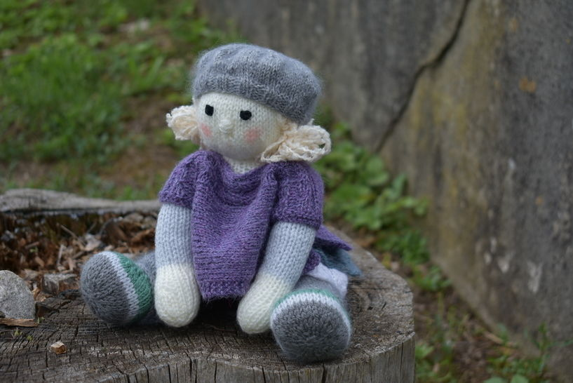 April Doll - knitting pattern  at Makerist - Image 1