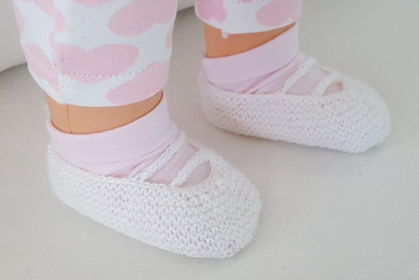 Baby's shoes with i-cord bars, in 3ply - Maya at Makerist - Image 1