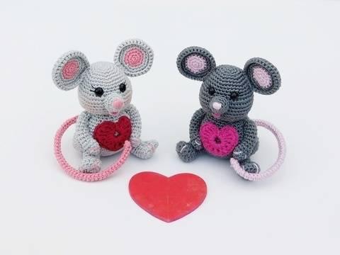 """Häkelanleitung Glücksbringer Maus """"Krümmel und Bommel"""" bei Makerist"""