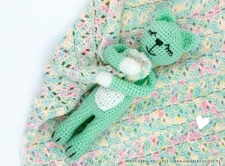 "Amigurumi with cuddle blanket ""Mila is dreaming""  bei Makerist - Bild 1"