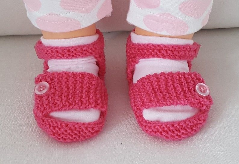 Baby sandals with ankle and foot straps in 4ply yarn - Victoria at Makerist - Image 1