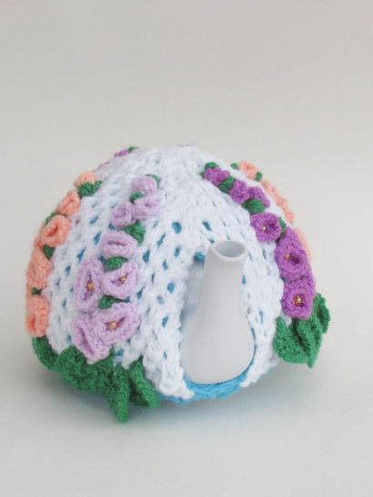 Hollyhock Tea Cosy Knitting Pattern at Makerist - Image 1