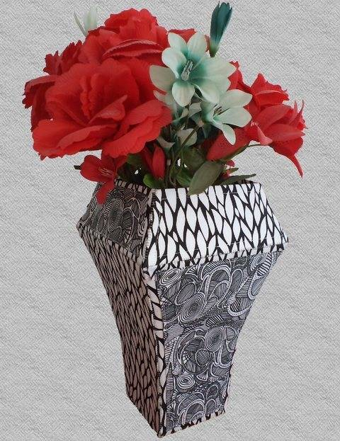 Voilà Vase - Sewing Tutorial & Pattern for a 3D Fabric Vase