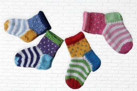 Strickanleitung Babysocken bei Makerist