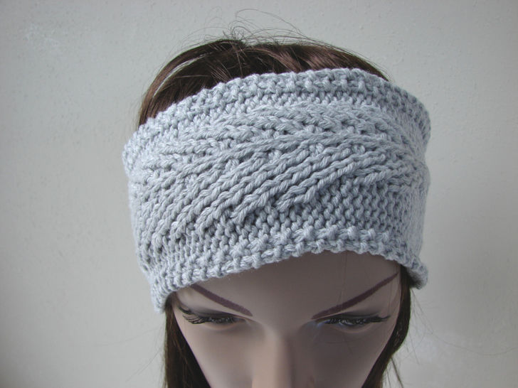 Feather headband - knitting pattern at Makerist - Image 1