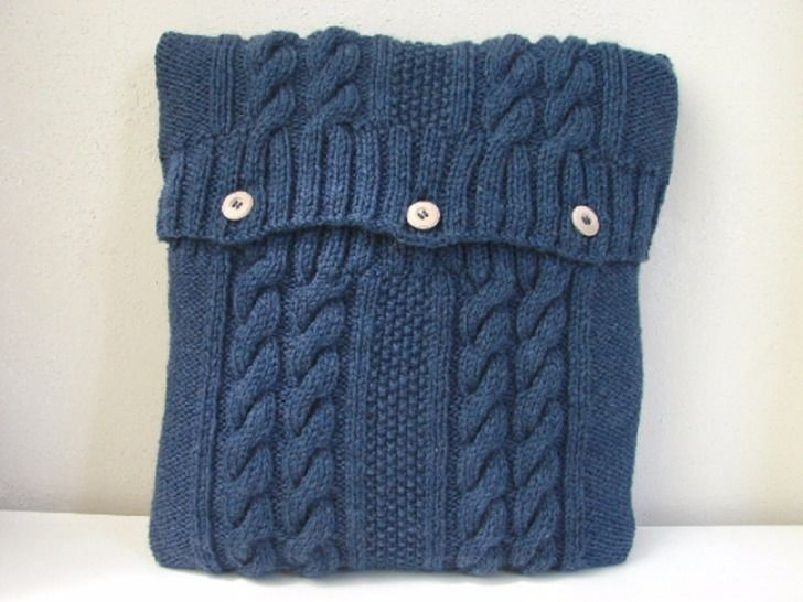 Cabled pillow case knitting pattern at Makerist - Image 1