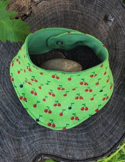 Baby Bandana  Bib - Sewing pattern + tutorial PDF at Makerist - Image 1