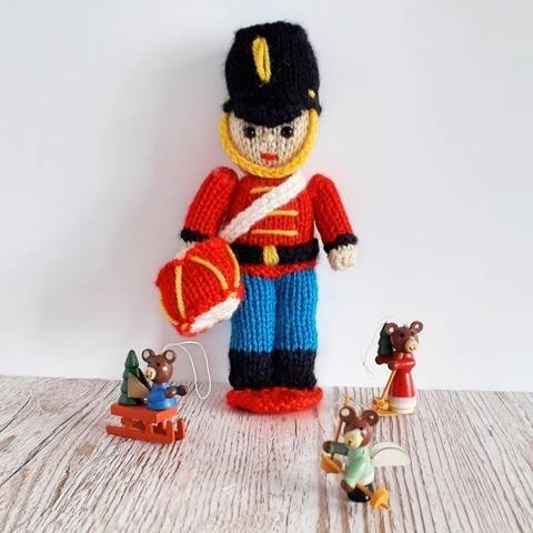 Toy Soldier knitting pattern