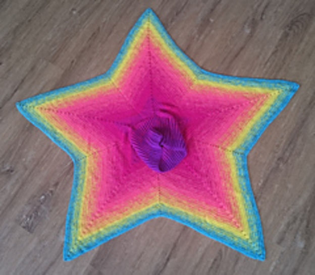 Harlekin - star shaped poncho at Makerist - Image 1