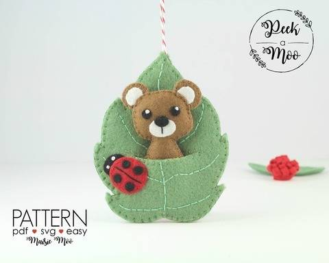 Bear in Leaf Pocket Ornament  - Christmas Ornament at Makerist